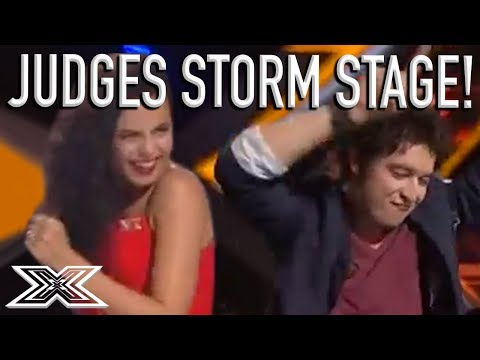 """Judges Storm The Stage During """"CAN'T STOP THE FEELING!"""" Cover! 