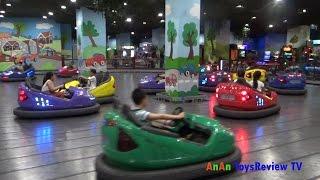 Em tập lái ô tô - Bé tập lái ô tô ❤ AnAn ToysReview TV ❤