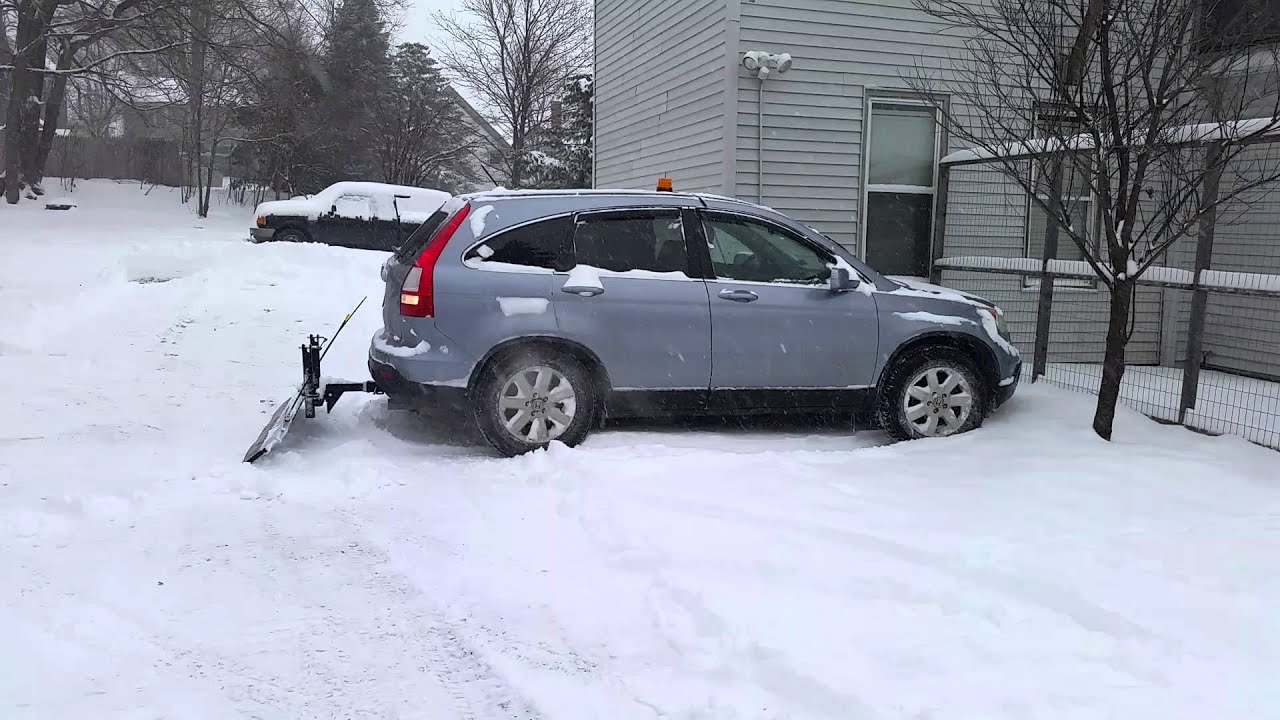 Plowing with my Honda CRV using a snowsport 180 - YouTube