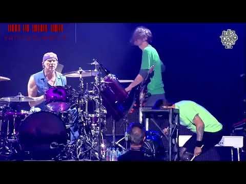 Red Hot Chili Peppers - Hump de Bump (Santiago, 17/03/2018)