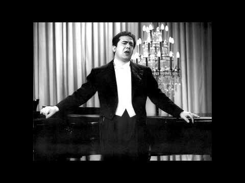 Giuseppe Di Stefano speaks about Toscanini