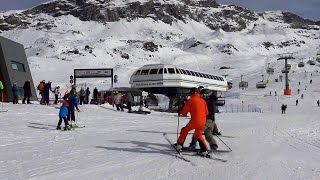 Cervinia, con lo snowboard travolge uno sciatore: volano racchettate e insulti