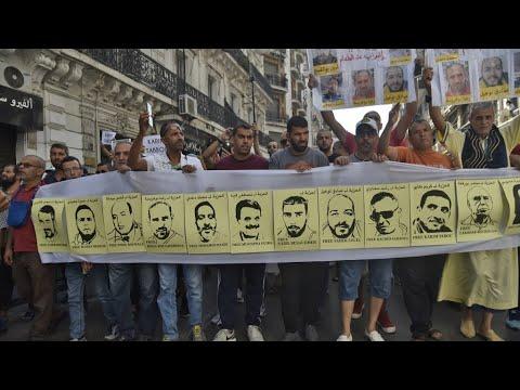 الجزائريون يتظاهرون في الجمعة الـ34 من الحراك الشعبي رفضا للانتخابات الرئاسية  - 23:54-2019 / 10 / 11