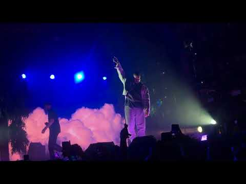 Kanye West & Kid Cudi - Father Stretch My Hands Pt 1 LIVE in Chicago (11/04/2017)