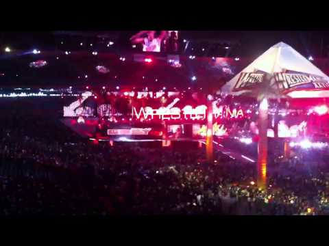 Wrestlemania 28 - Machine Gun Kelly & Skylar Grey