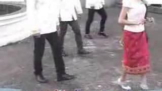 Repeat youtube video บาสโลบ : จำปาเมืองลาว