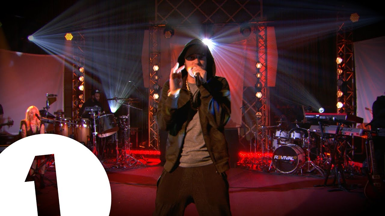 Eminem - Love The Way You Lie ft Skylar Grey on Radio 1