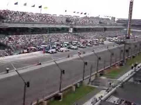 2007 Indy 500 field pits