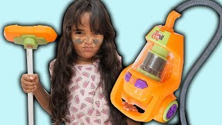 BIA LOBO PRETEND PLAY CLEANING TOYS