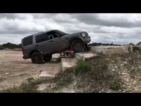 Land Rover LR3 Climbing Stairs