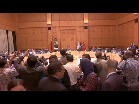 يورو نيوز: الإعلان عن تشكيل حكومة وافق وطني ليبية تضم برلماني طرابلس وطبرق