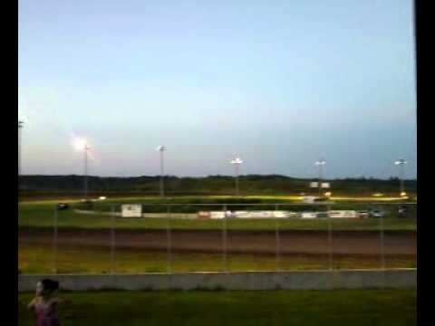 July 29, 2011 - Mineral City Speedway, feature'