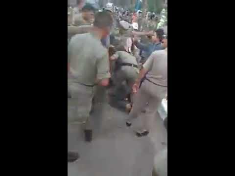 Satpol PP Menendang Pedagang Kaki Lima Hingga Berdarah | Insiden di Jl Depan RS USU Pukul 15.00 WIB