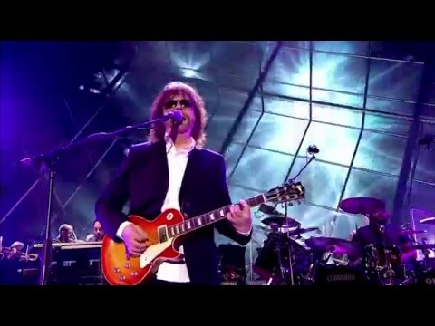JEFF  LYNNE'S & ELECTRIC  LIGHT ORCHESTRA- Live at Hyde Park 2014 003 Ma Ma Ma Belle