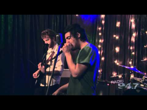 """Young The Giant """"My Body"""" Live At RADIO 94.7"""