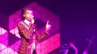 Stromae - Tous Les Mêmes (Madison Square Garden, NYC 2015)