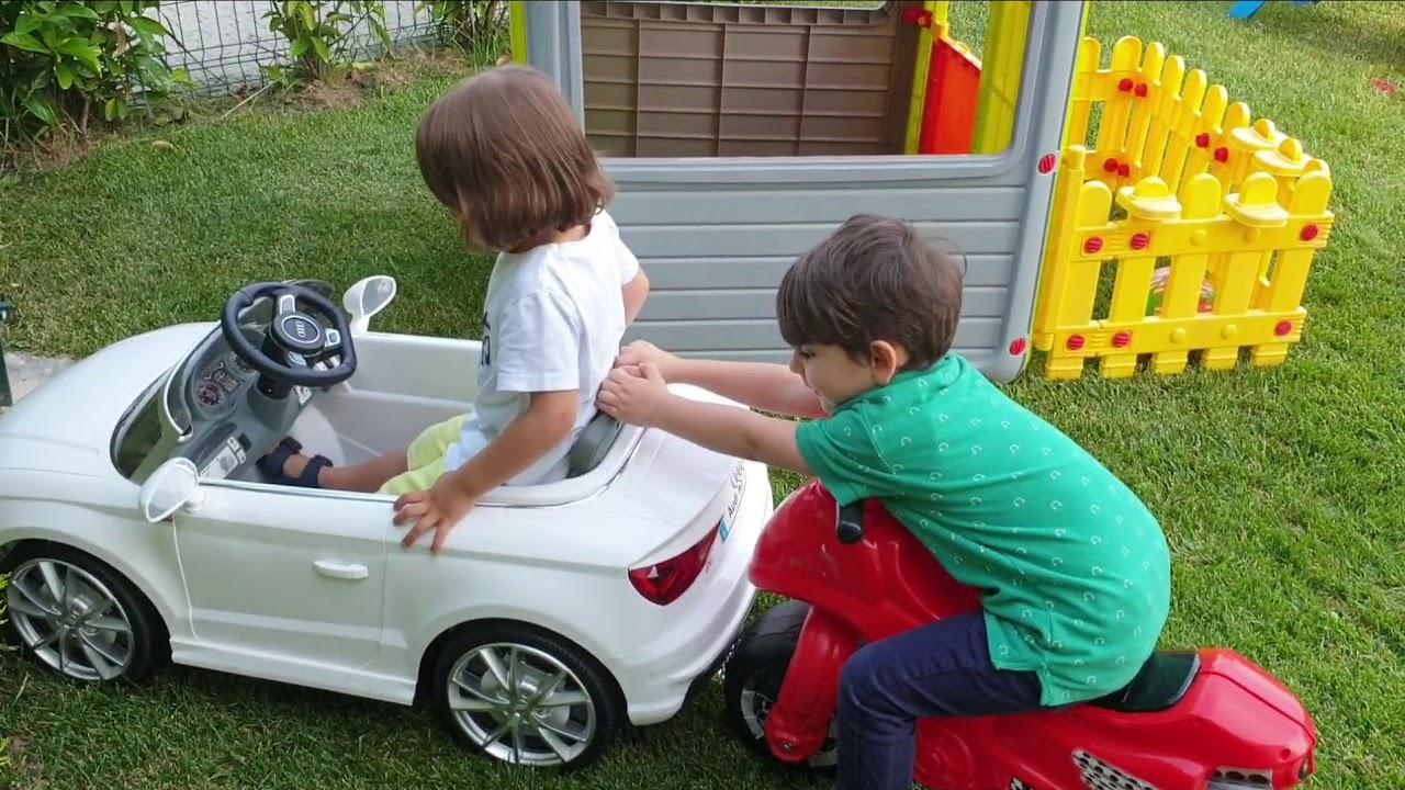 Fatih selim ve Yusuf akülü arabayla motoru çarpışan araba yaptılar,arabayla kovalamaca oyunu