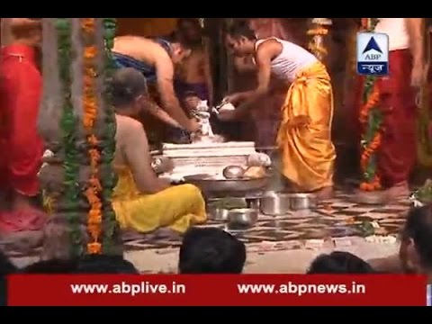 Janmashtami Special: Radha Raman temple of Vrindavan prays to Lord Krishna in afternoon