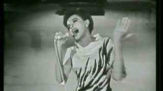 You'll Never Walk Alone - Judy Garland