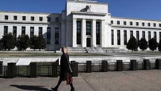 Divided Federal Reserve holds the line on interest rates thumbnail