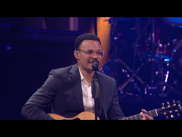 This Is A Move (Brandon Lake) - Tauren Wells with Lorna Wells