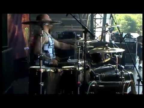 Atreyu Live @ Graspop 2010 - Becoming The Bull