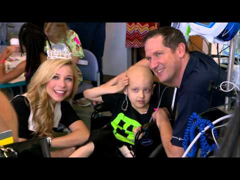 Miss America visits UC Davis Children's Hospital