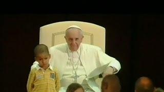 Conozca la historia del niño que abrazo al papa Francisco