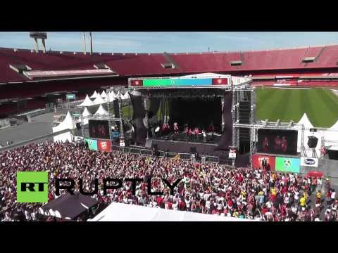Brazil: Thousands turnout to greet new Sao Paulo FC signing Kaka
