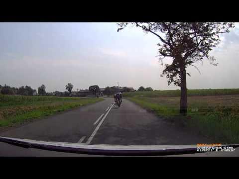 Amber Road 2015 - Gatta Bike Team - podawanie bidonów