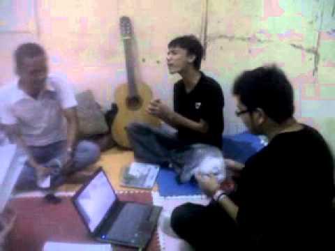 Karaoke menggila di sekre ECC
