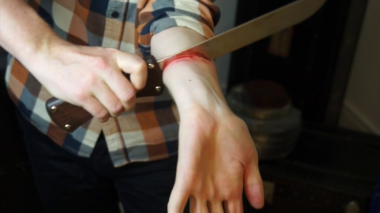 Das pulsader weh tut aufschneiden Pulsader aufgeschnitten