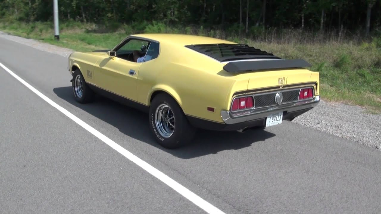 Hot 1971 mustang mach 1 burnout from rolling start