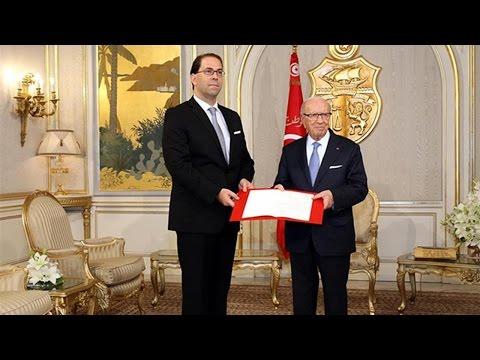 تونس.. الشاهد يبدأ مشاورات تشكيل الحكومة وسط انسحابات واحتجاجات