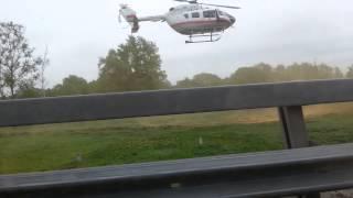 Вертолет садится на МКАД(, 2015-02-20T19:13:17.000Z)