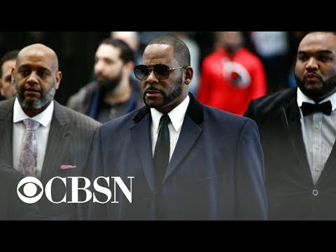 Glenn Cosby - R. Kelly Arrested on Federal Charges in Chicago While Walking His Dog