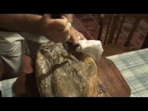 DesHUESAdo del jamón en Huesa del Común (Teruel)
