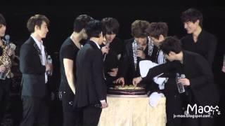 [FANCAM] 120203 Super Show 4 in Taiwan - 圭賢慶生 Kyuhyun's birthday celebration