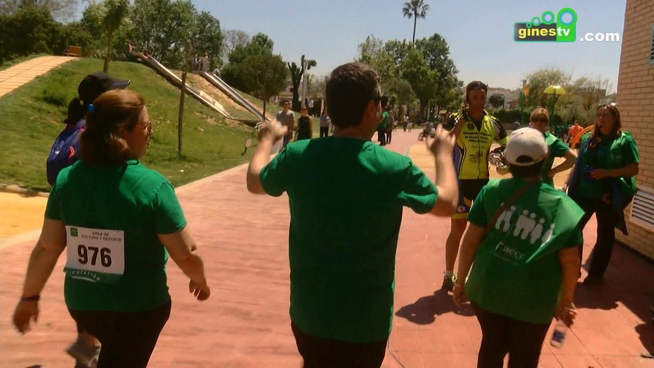 """Una gran """"marea verde"""" de solidaridad hizo posible en Gines la Marcha por la AECC"""