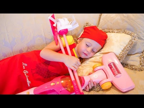 袧邪褋褌褟 泻邪泻 褏芯蟹褟泄泻邪 袨褌械谢褟 懈 锌邪锌邪 泻邪泻 谐芯褋褌褜 / Nastya and papa pretend play with cleaning toys