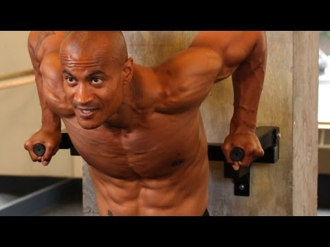 how-to-do-a-weighted-chest-dip-|-chest-workout