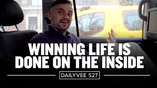 how-to-be-happy-without-money-dailyvee-527