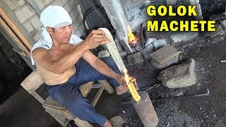 How Blacksmiths make Golok Machetes in Indonesia