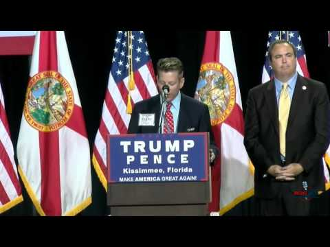 Gay Speaker at Donald Trump Rally Calls out Crooked Hillary Clinton 8/11/16
