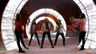 Новогодний танец Coca-Cola|  Ёлка - Праздник к нам приходит