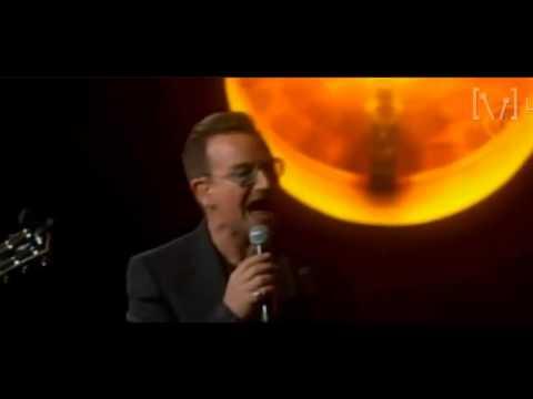 U2 performs