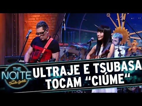 """The Noite (04/10/16) - Roger canta """"Ciúme"""" em japonês com Tsubasa Imamura"""