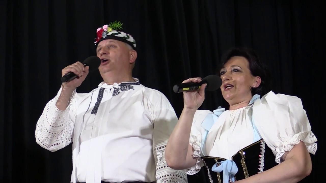"""LANŽHOT-Manželé UHROVI zpívají PÍSNIČKU o """"NAŠEM SLOVÁCKU""""..."""