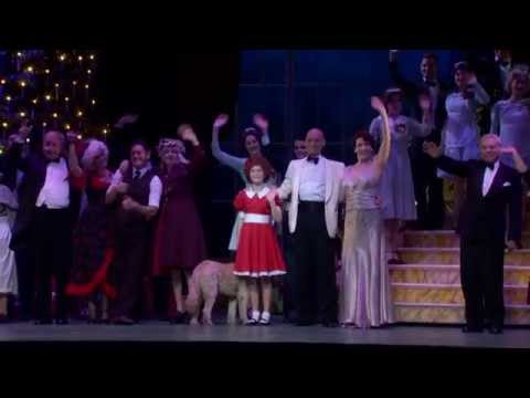 Annie Comes to NZ | Behind the Scenes Wellington 2014