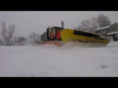 NORTHEAST WINTER SNOW PLOW FUN